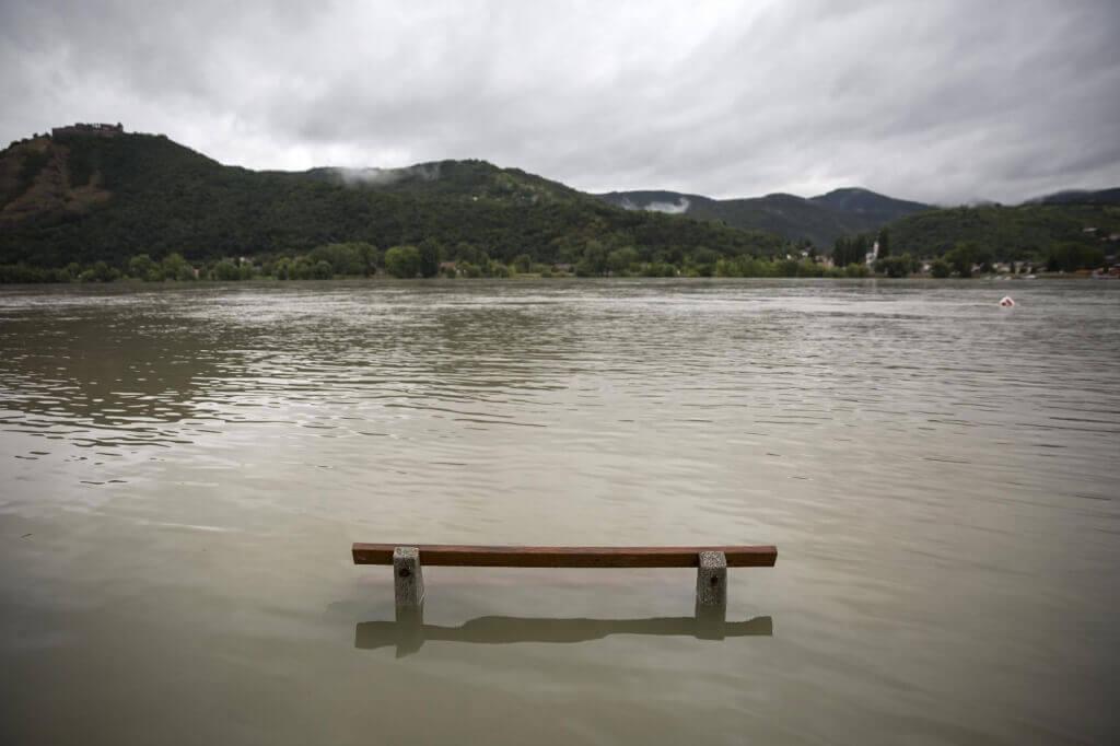 Megduzzadt a Duna Nagymarosnál is | Fotó: Mohai Balázs/MTI