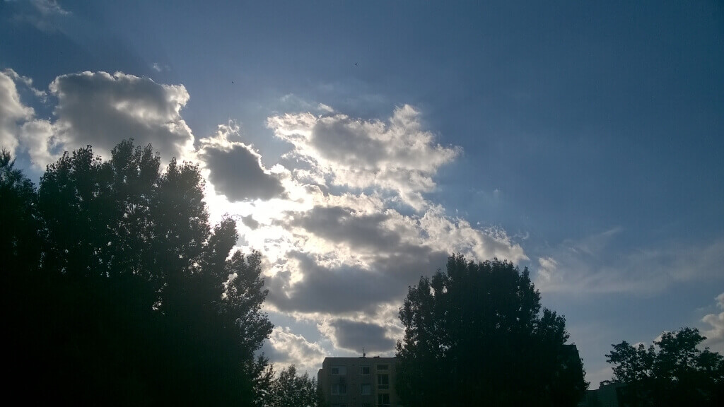 2016 augusztus 8-án és 9-én csak olykor felhők zavarhatják meg felhők a napsütést