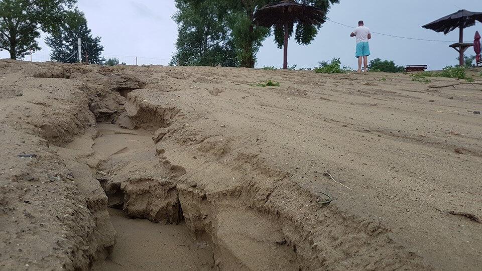 Az Öböl Music Beach területét is megtépázta a vihar