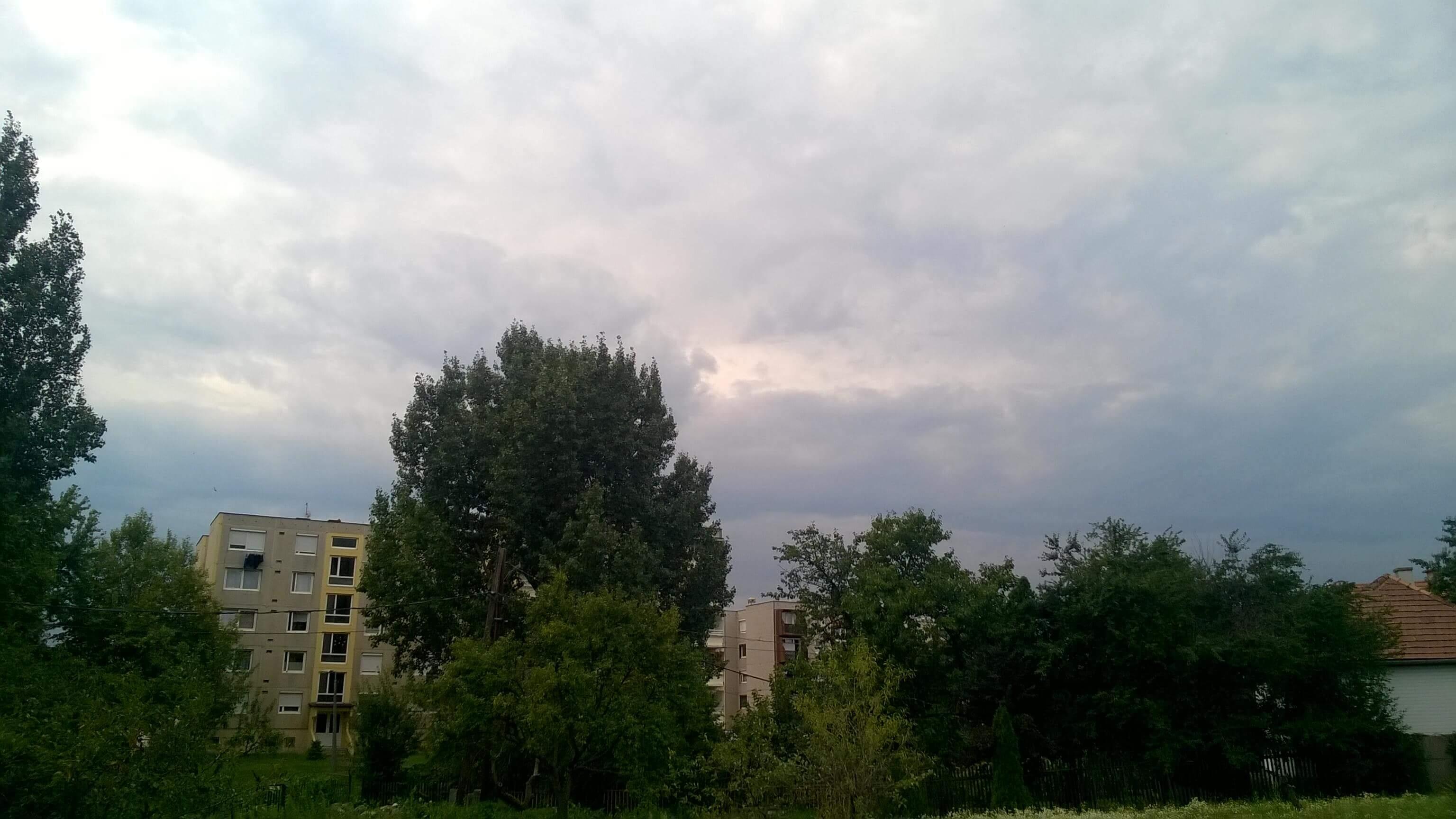 Érkezik a hidegfront felhőzete Dorogra