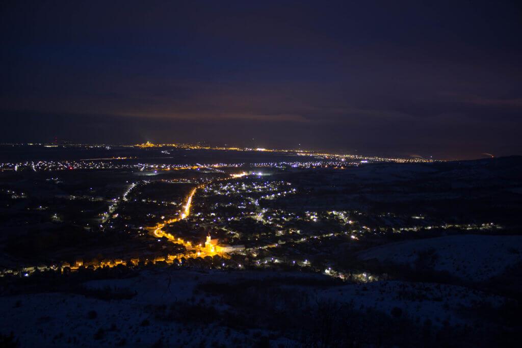 Tokod, Tokodaltáró és Esztergom-Kertváros látképe a Hegyes-kőről